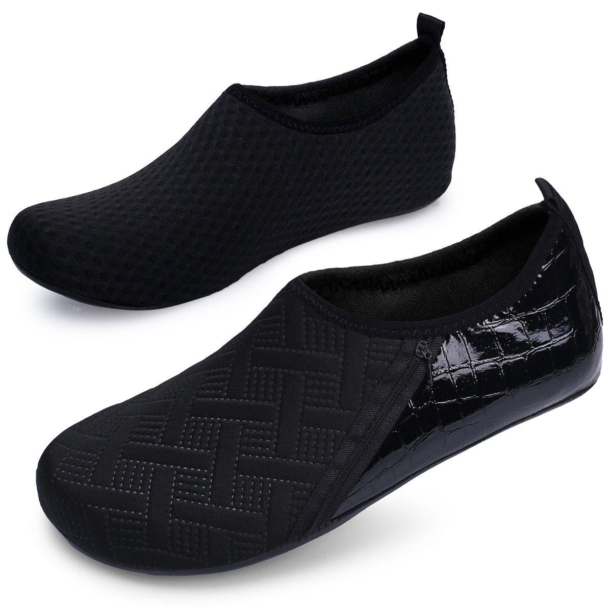 JIASUQI zapatos de agua al aire libre para mujer y para hombre verano  calcetines Aqua para el ejercicio de la playa de la natación de la resaca  de la yoga ... 396bdd5b6ea