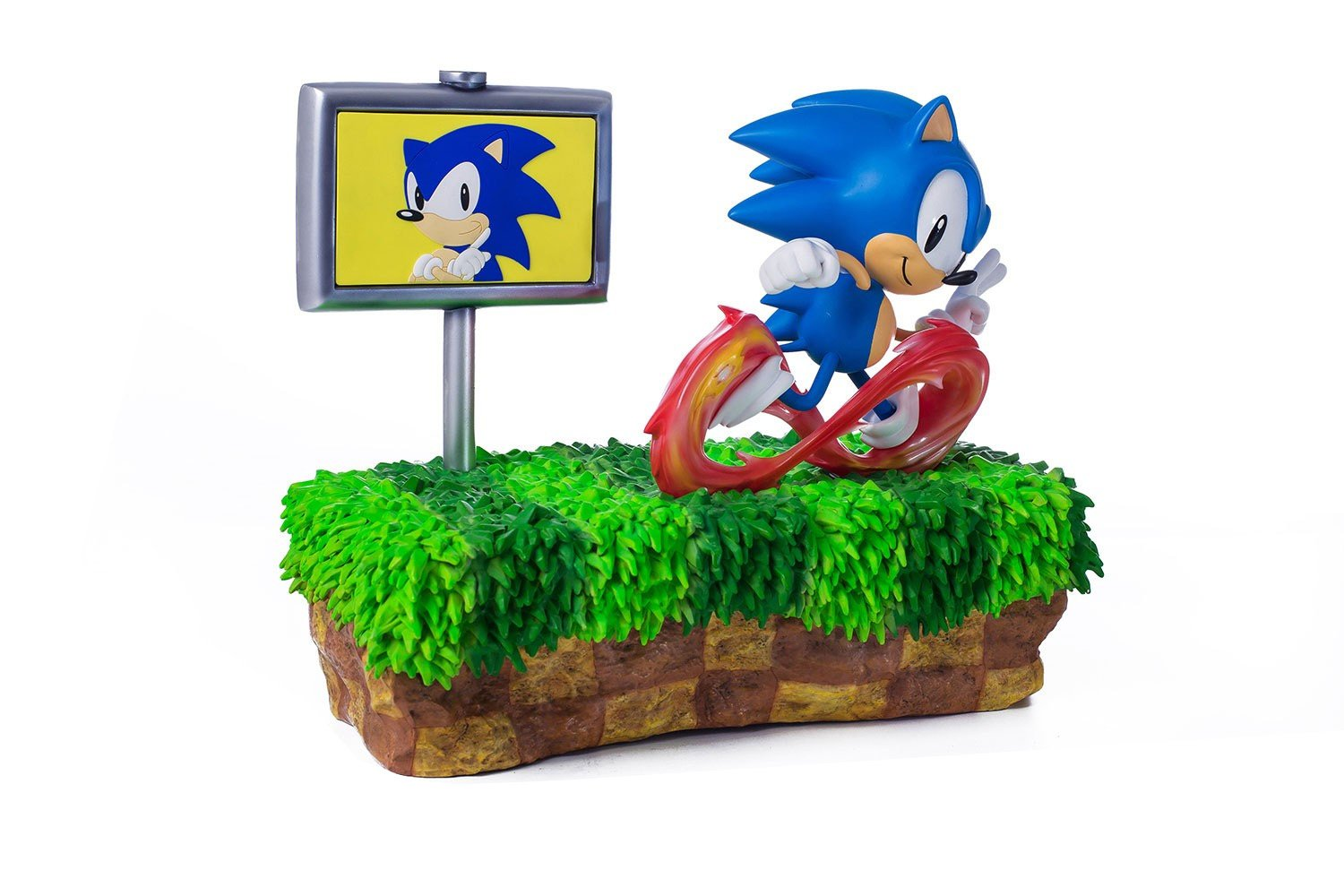 Amazon Com First4figures Sonic The Hedgehog Sonic Zoom Green Hill Zone 25th Anniversary Diorama Polystone Statue By Video Games