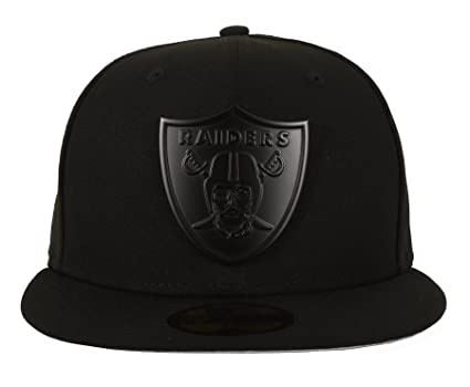 f8d67e33e47 Amazon.com   New Era 59FIFTY Oakland Raiders Metal Logo Fitted Cap ...