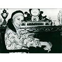 Vintage photo of Alicia Alonso smiling.