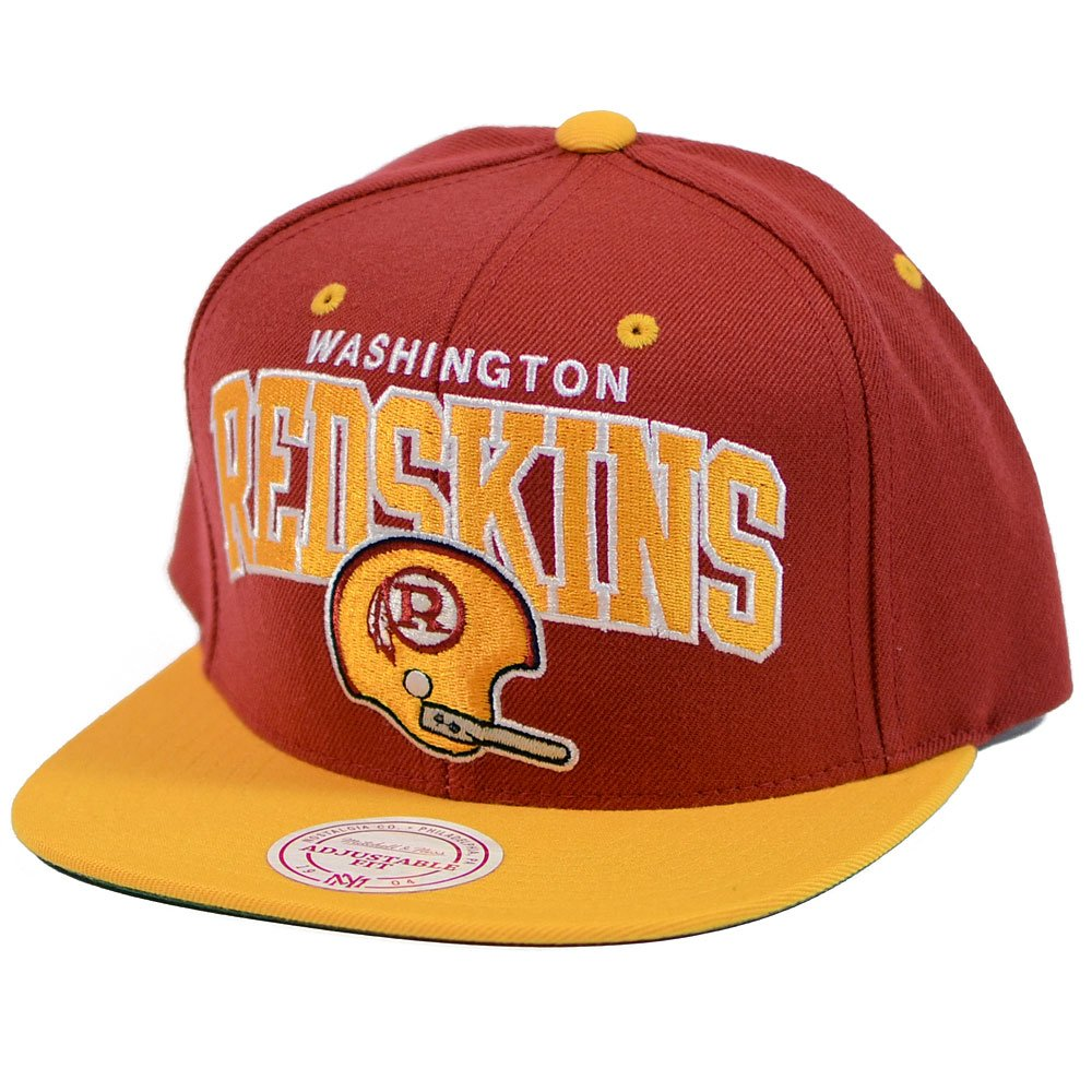 c1a663d5a59 Amazon.com  Mitchell   Ness Washington Redskins Arch W Helmet Maroon Gold  Snapback  Clothing