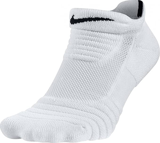 574ad56e16a Amazon.com  Nike basketball ELITE Versatility Low Cut Basketball ...