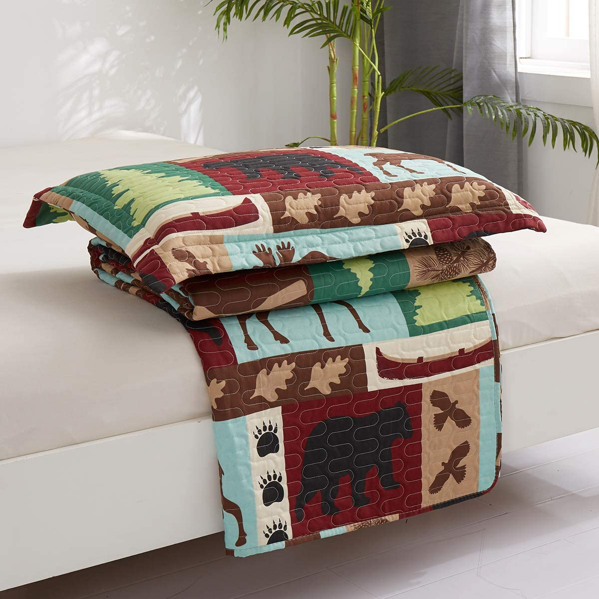 Oliven Lightweight Summer Lodge Moose Bear Quilt Set Twin Size Rustic Cabin Bedspreads Christmas Tree Eagle Bear Paw Pine Cones Printed Coverlet Soft Blanket Set with 2 Standard Pillow Shams