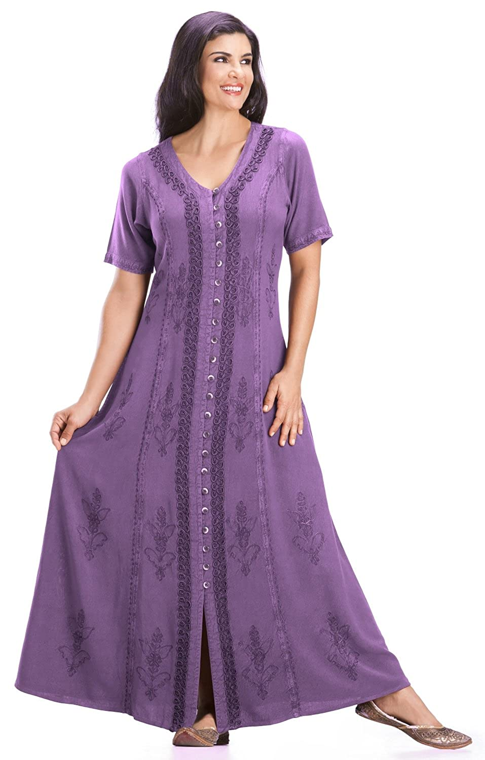c2db0f25681 HolyClothing Eleanor Embroidered Button Front Dress - 4X-Large - Purple  Passion  Amazon.ca  Clothing   Accessories