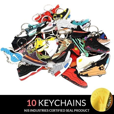 NIS Industries Mini Zapatillas Llaveros – Raros Paquetes de Aire – Caucho/Silicona 2D Retro Zapatillas Zapatillas de Baloncesto Llaveros Sneakerhead ...