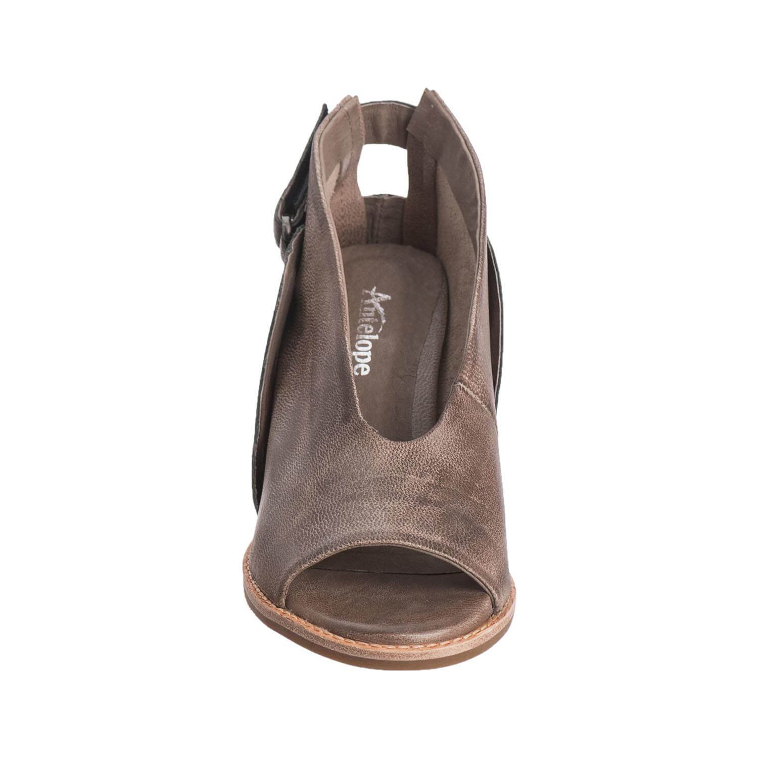 Antelope Womens 504 Leather Overlap Scoop