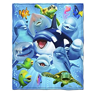 Dawhud Direct Ocean Animals Dolphin Shark Turtle Selfie Fleece Throw Blanket