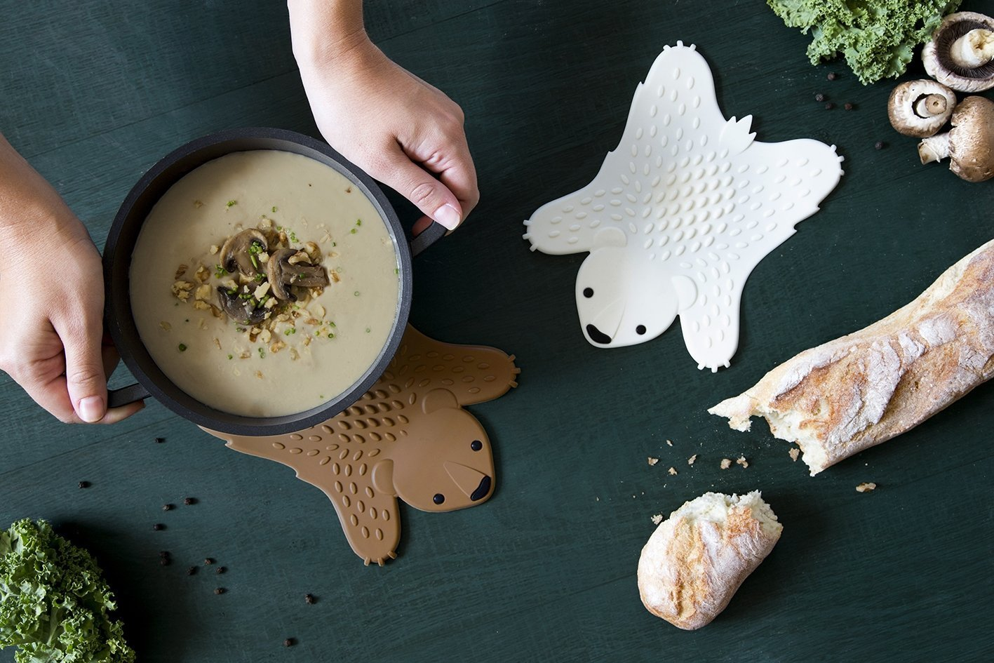 NEW!! GRIZZLY Hot pot trivet by Ototo Design WHITE by OTOTO