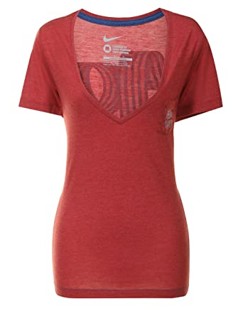 436d28a519eb7 Nike Womens Red FCB Barcelona V-Neck T-shirt Size M at Amazon ...