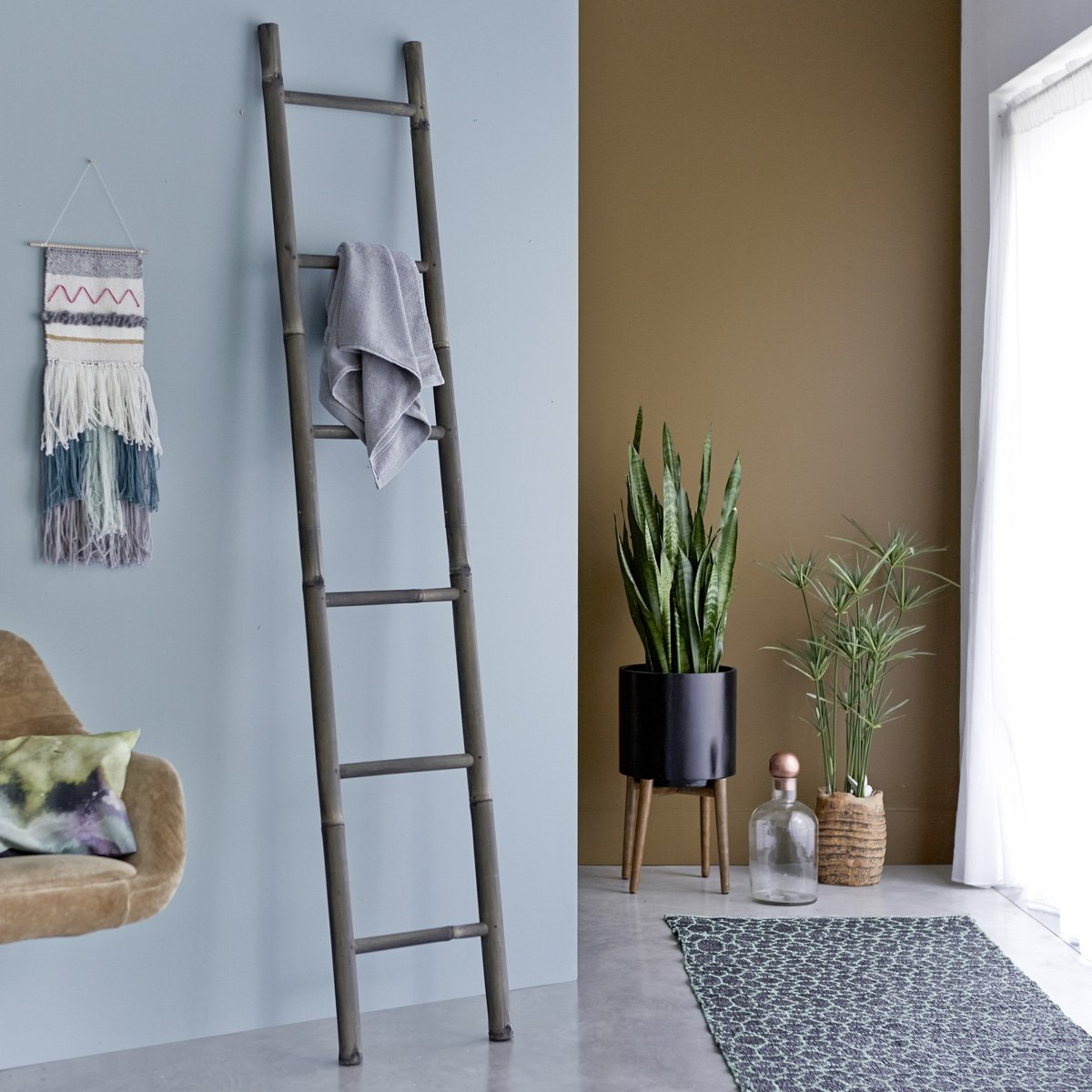 Black Bamboo Towel Rack Ladder Shape 200 cm Tikamoon