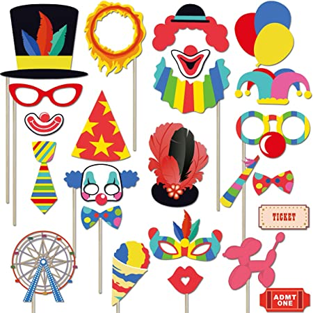 Amazon.com: Kit de 24 accesorios de carnaval de circuito ...