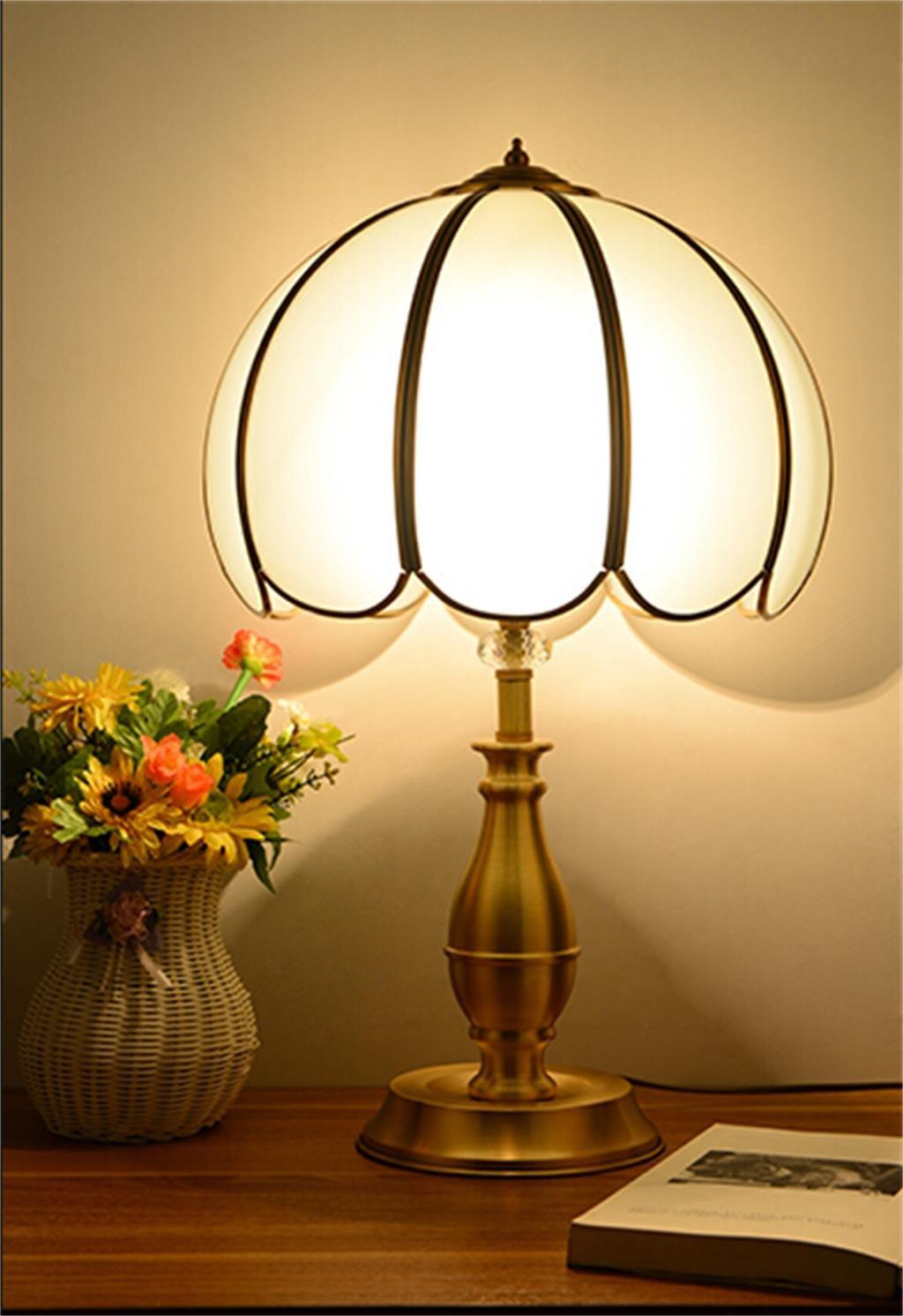 Retro Tischleuchte kontinental warm kreativ Salon Schlafzimmer Kupferlampen einfach Kunst Klassik Dekoration Nachttischlampe Blütenblatt