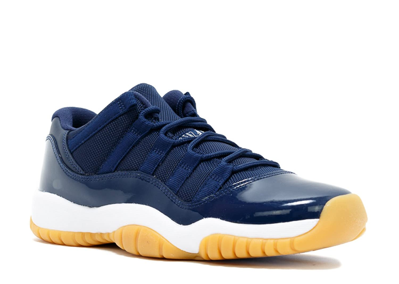 buy online 890af 39cf6 Amazon.com   Air Jordan 11 Retro Low BG - 528896 405   Basketball