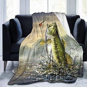 Blanket Largemouth Bass Bass Jumping Out of Water Throw Blanket Soft Velvet Blanket Lightweight Bed Blanket Quilt Durable Home Decor Fleece Blanket Sofa Blanket Luxurious Carpet for Men Women Kids