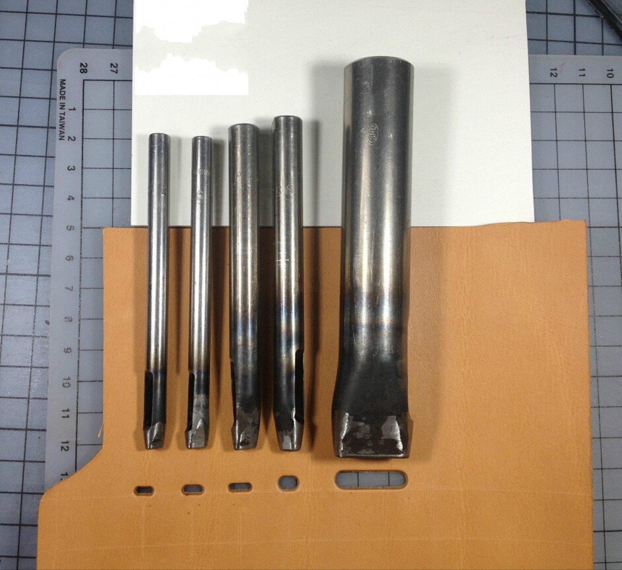 WellieSTR 5 Size Oval Drive Leather Punch 2*7mm//3*6mm//3*8mm//4*7mm*26*5mm
