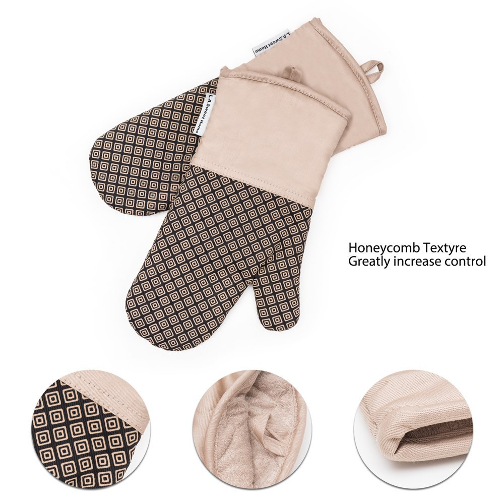 Silicone Oven Mitts Greek Key Pattern Heat Resistant Potholders Cooking Gloves Non-Slip Barbecue Gloves, Pot Holders,1 Pair LA Sweet Home(Khaki) by LA Sweet Home