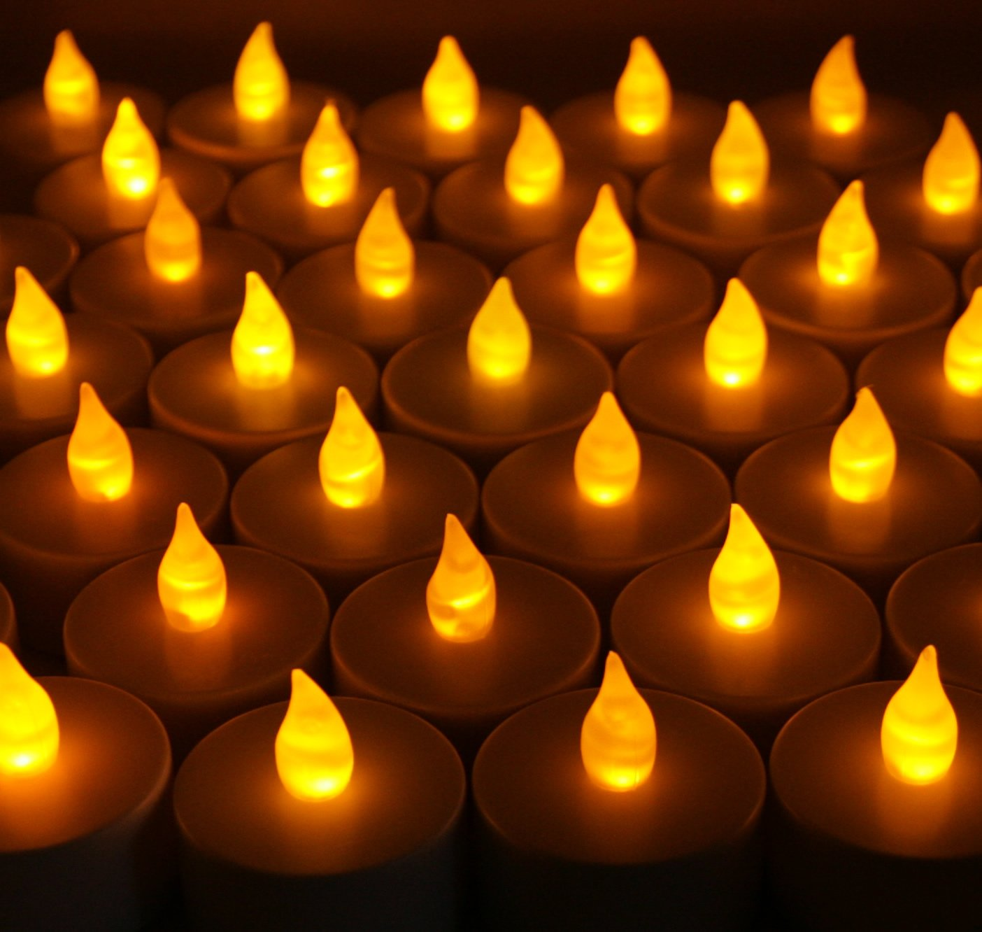 Bluedot Trading Flameless Battery Operated LED Tea Lights, Amber Color Flame, 100-Pack by Bluedot Trading