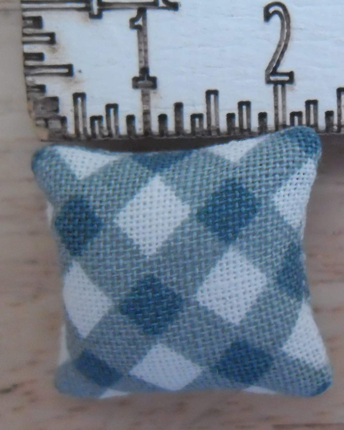 1//24th Scale Dolls House Printed Fabric Cushions Check Pattern Shades of Blue /& White