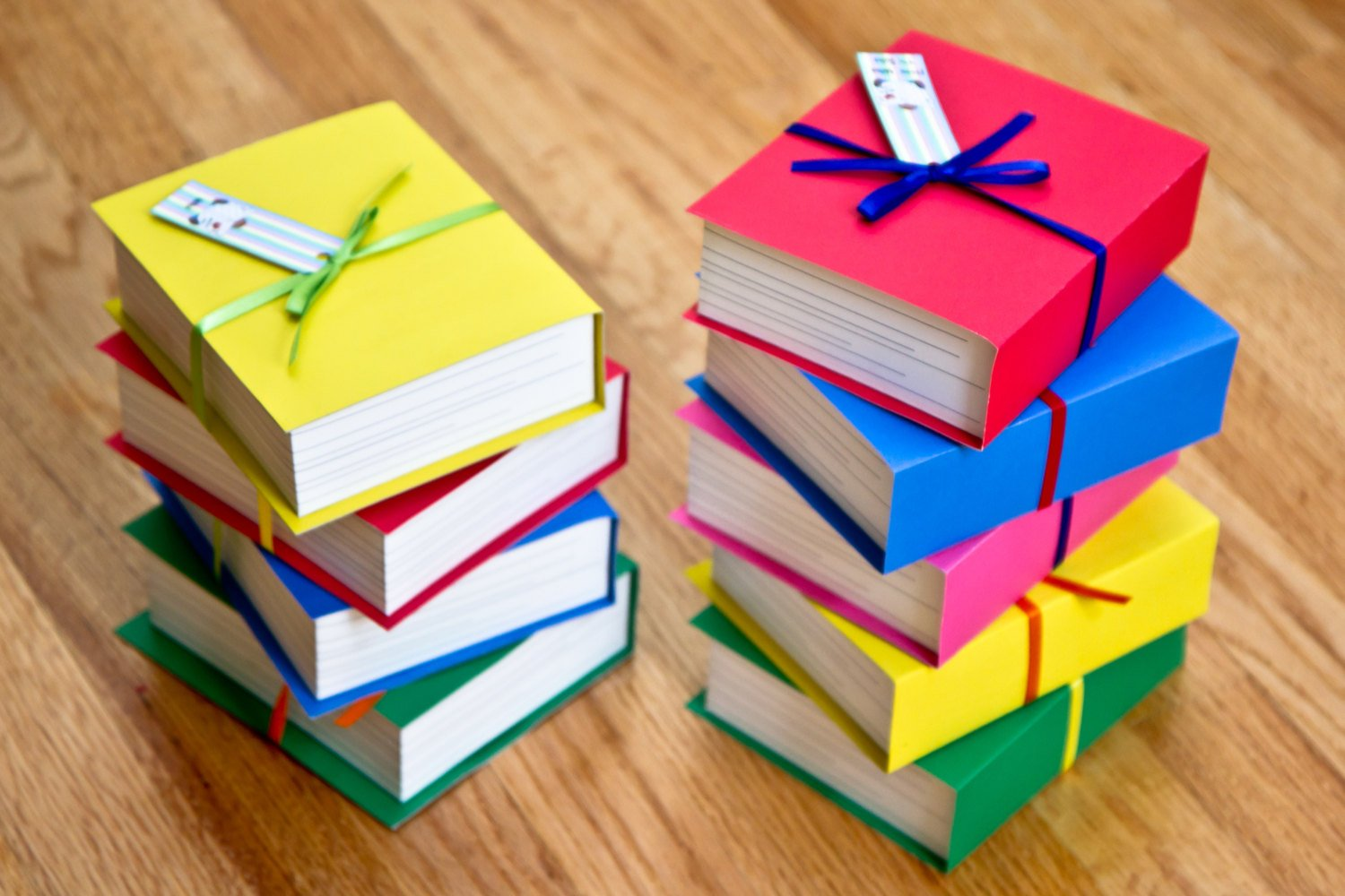 Book shaped boxes set of 4