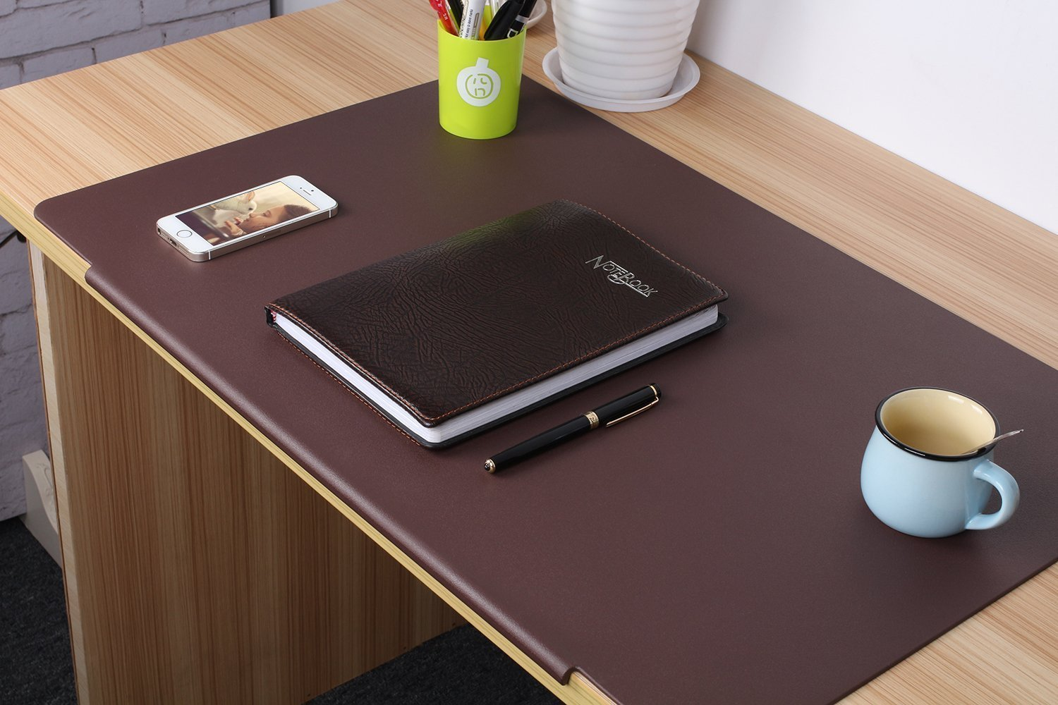 LOHOME Desk Pads Artificial Leather Laptop Mat with Fixation Lip, Perfect Desk Mate for Office and Home, Rectangular, Large, Black DeskMat_Black