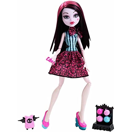 11 Inch Monster High Draculaura Storytelling Scarnival Doll With Carnival Game Accessories