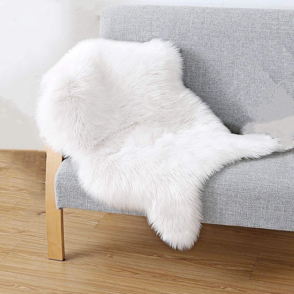 Honearn Faux Fur Sheepskin Non Slip Floor Rug Gray Fluffy Area Rug Small Sofa Mat Cover Handmade Shaggy Floor Carpet Pad for Kitchen Bedroom Bathroom Living Room Chair Dining Seat Pad 60x90cm