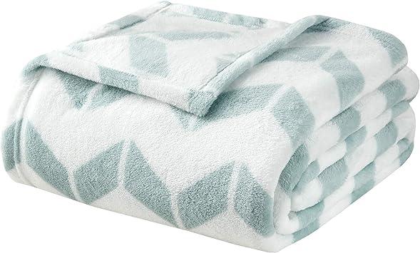 Intelligent Design ID51-833 Chevron Plush Blanket Twin//Twin X-Large Aqua//White