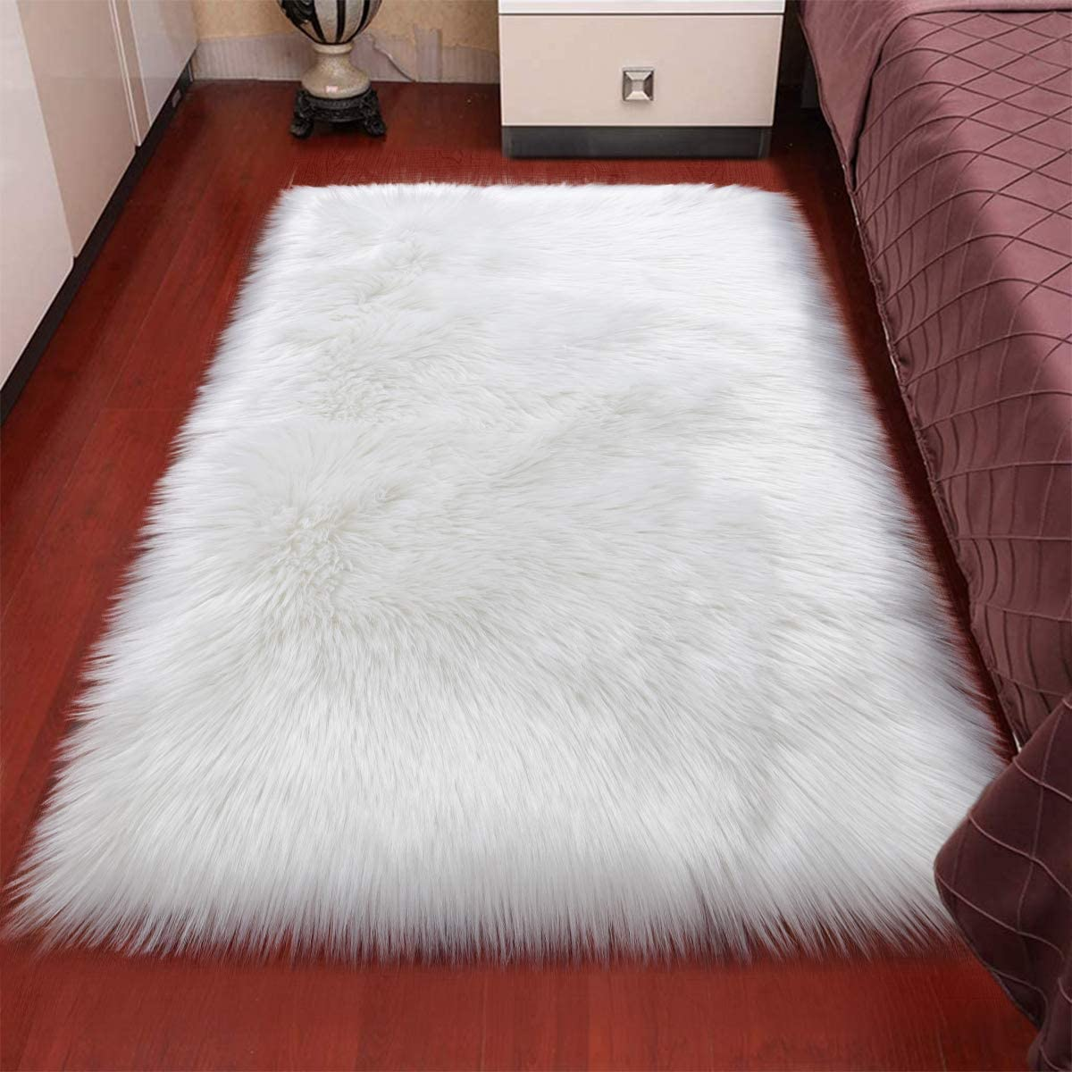 Rectangle Ultra Soft Fluffy Bedroom Rugs Luxury Faux Fur Sheepskin Area Rug, Plush Furry Shaggy Carpet for Living Room Floor Accent Fuzzy Nursery Bedside Girls Pricess Room Decor, 2x4 Feet, White