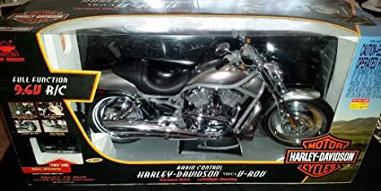 Amazon.com: 1:3 Scale Radio Control Harley-Davidson V-Rod Motorcycle