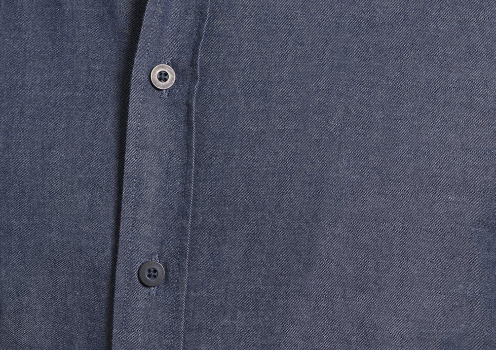 UNTUCKit Men's Barbera X-Large Blue Selvedge Chambray X-Large-Regular Fit Blue Selvedge Chambray by UNTUCKit (Image #2)
