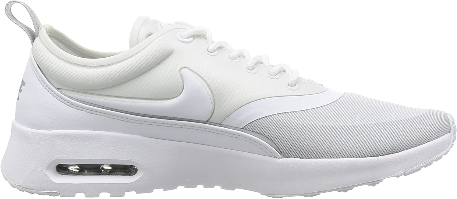 Nike Women's Low-top Sneakers Off White (White/White/Metallic Silver)