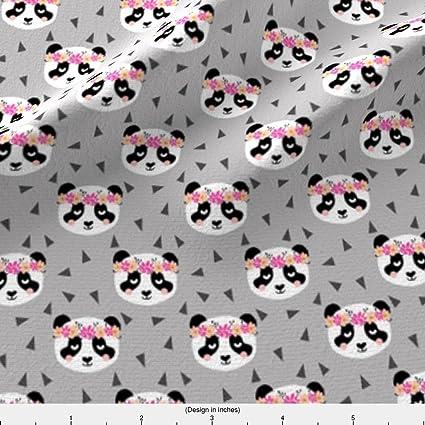 Pandas – Panda flores de tela gris Girly triángulos dulce flor corona por charlottewinter – tela