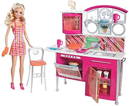 Amazon Com Barbie Stovetop To Tabletop Deluxe Kitchen And Doll Set