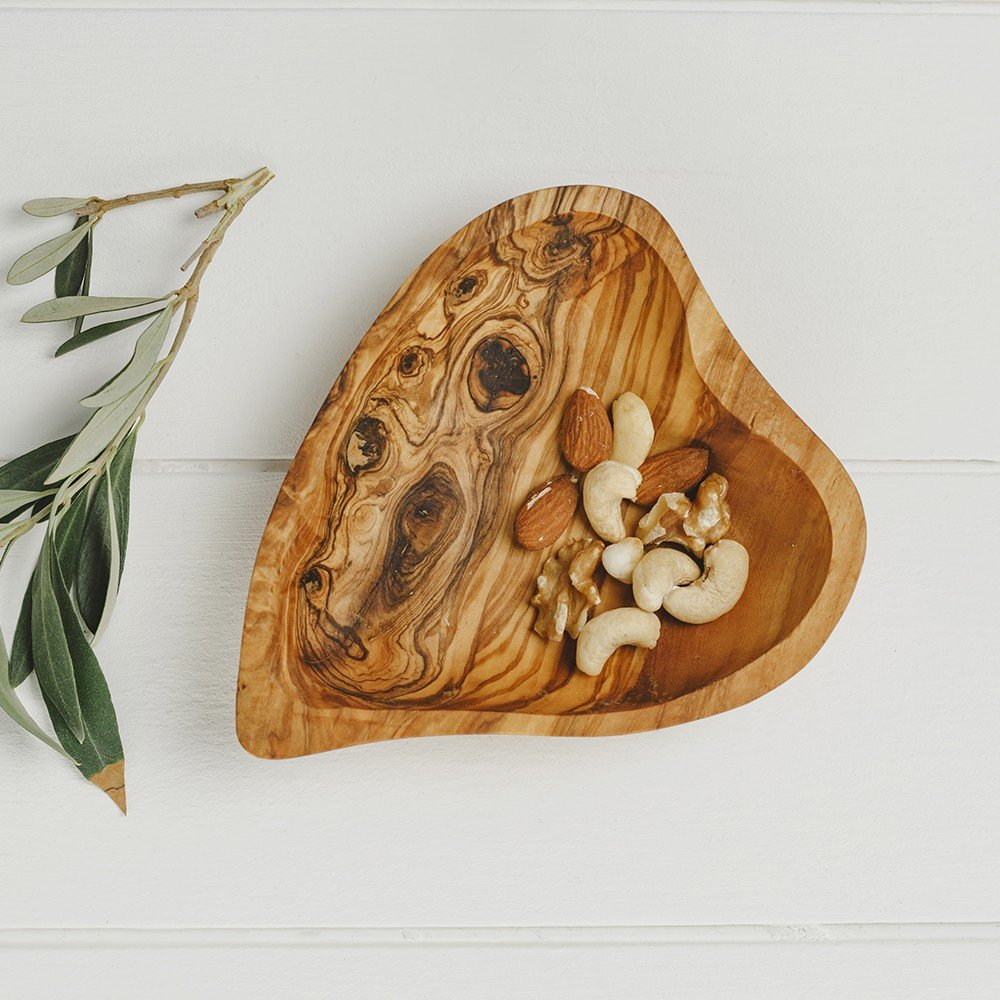 Olive Wood Heart Shaped Dish by Naturally Med NM/OL283
