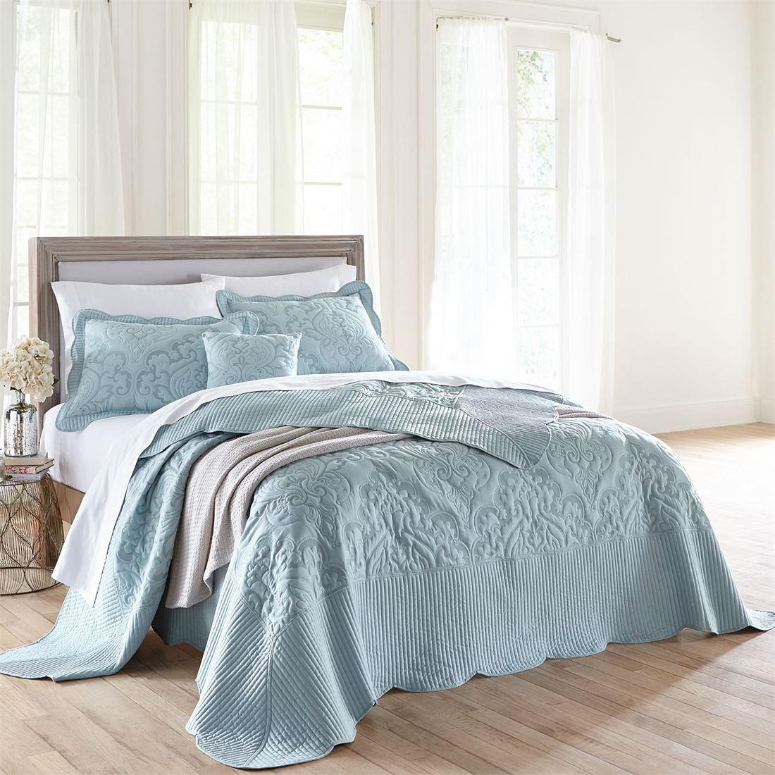 BrylaneHome Amelia Bedspread (Seaglass,Queen)