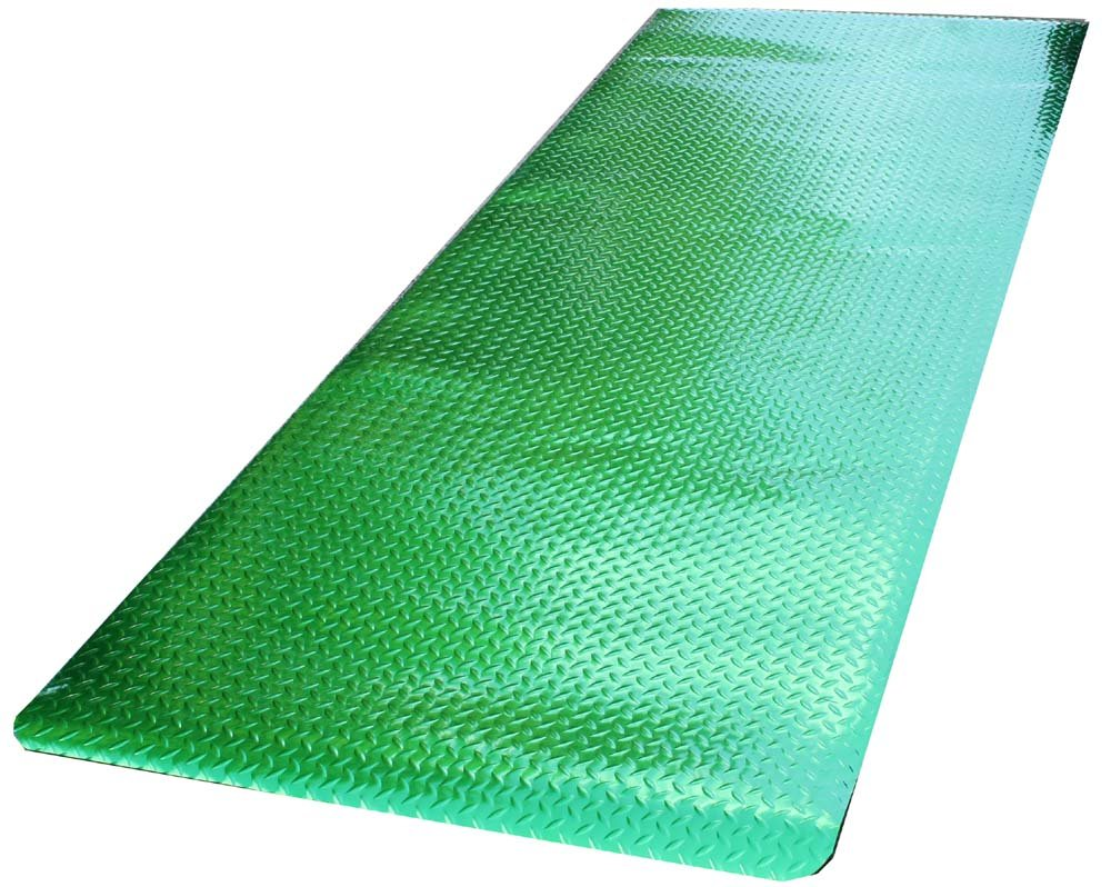 Durable Metallic Diamond-Dek Runner Mat, 3' x 8', Green