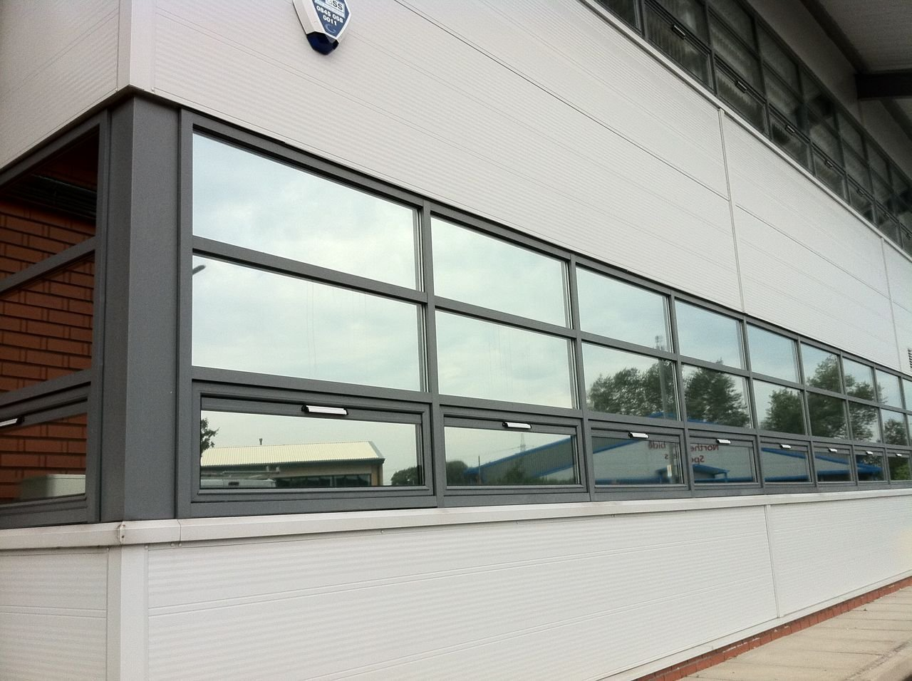 eXtreme® Silver Reflective Window Film 153cm Width (Solar Control & Privacy Tint - One Way Mirror / Mirrored Glass) (1metre x 153cm) WDC ONLINE