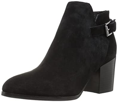 dcadad72cb68 Amazon.com  Marc Fisher Women s Vandy Ankle Boot  Shoes