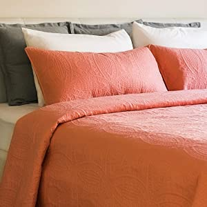 Mezzati Bedspread Coverlet Set Coral-Rose – Prestige Collection - Comforter Bedding Cover – Brushed Microfiber Bedding 2-Piece Quilt Set (Twin/Twin XL, Coral Rose)