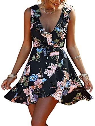 b5679f2351 Amazon.com  PERSUN Womens Floral Tribal Sexy V-Neck Ruffle Backless Casual  Beach Romper Playsuit  Clothing