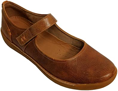834f2ced Amazon.com | CLARKS Womens Un Haven Strap Mary Janes | Flats