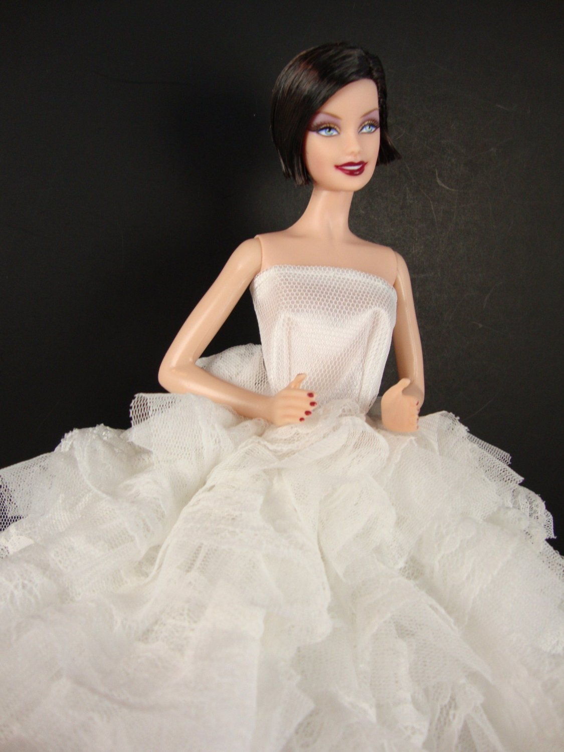 Amazon Olivias Doll Closet Beautiful White Gown With Tons Of Ruffles Ball Made To Fit The Barbie Toys Games