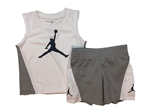 32dbe3a85b9 Amazon.com: Jordan Air Boy`s T-Shirt and Shorts 2 Piece Set: Clothing