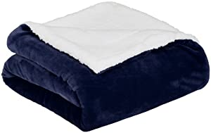 AmazonBasics Micromink Sherpa Blanket - Super-Soft, Wrinkle-Resistant - Full/Queen, Navy