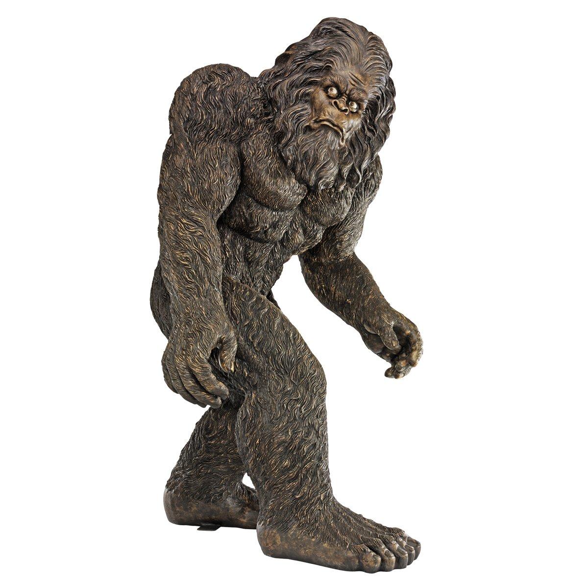 Amazon.com: Design Toscano Bigfoot The Holiday Yeti Holiday Ornament: Home  U0026 Kitchen