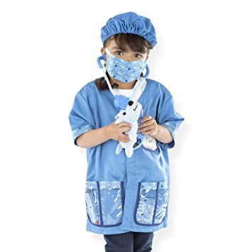 Melissa Doug Veterinarian Role Play Costume Set Pretend Play Materials Machine Washable 17 5 H X 24 W X 0 75 L