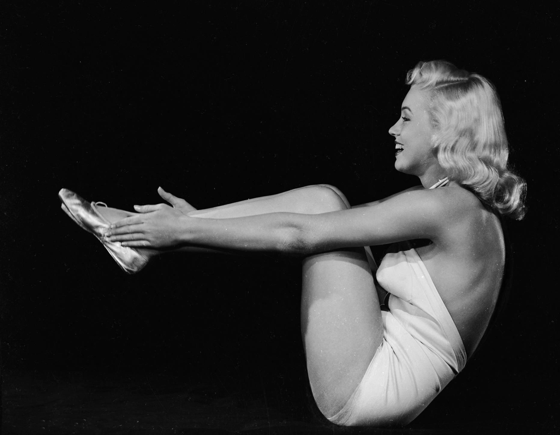 Marilyn Monroe Exercise Fitness Gym Model Photo Photo Art Pinup Girl Photos Artwork 8x10
