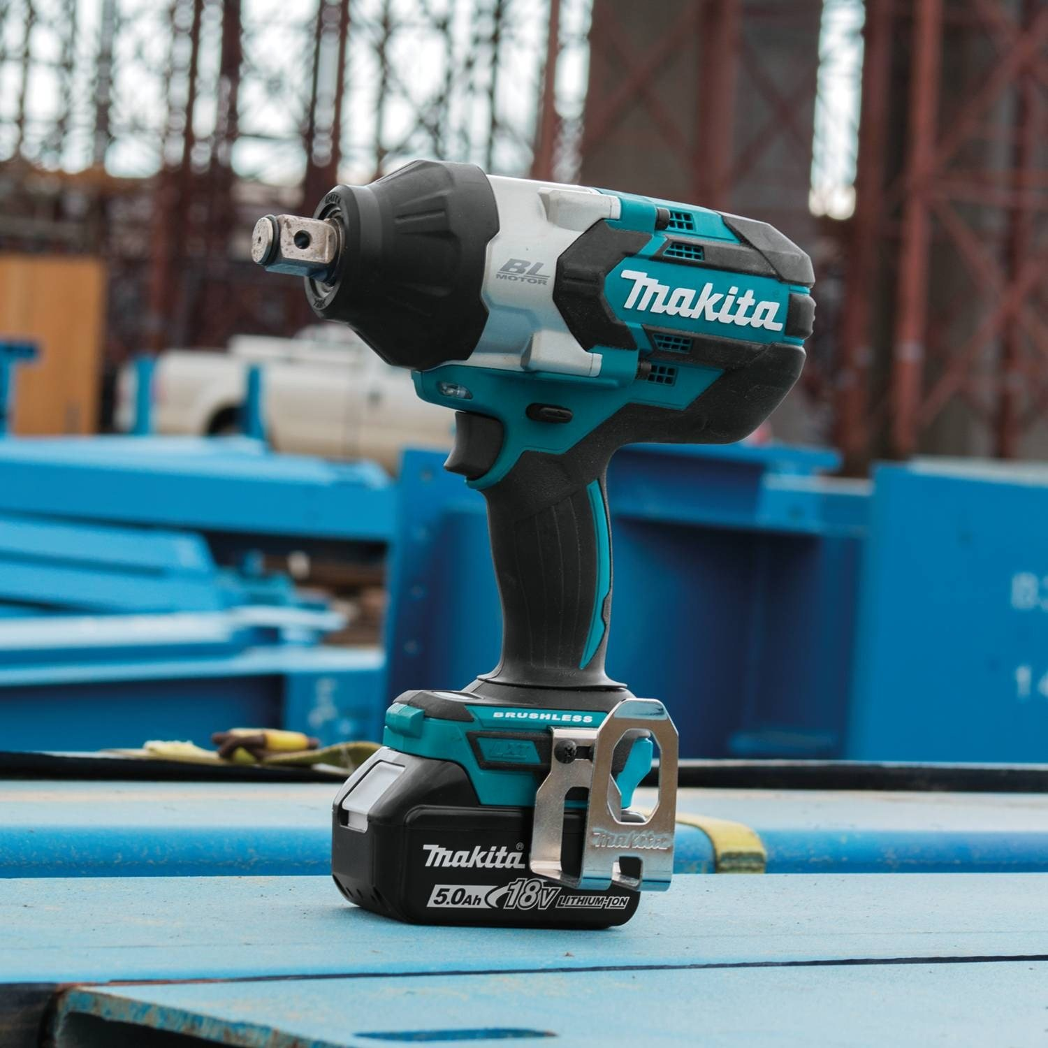 Makita XWT07T 5.0 Amp 18V LXT Lithium-Ion Brushless Cordless High Torque 3//4 Sq Drive Impact Wrench Kit w// Friction Ring Anvil