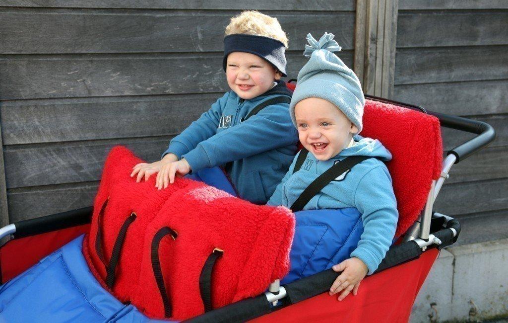 1x Fußsack für den Turtle Kinderbus (Modell 8900801, 802 und 800) von Winther - passend für 2 kleine Kinder bis 3 Jahren!