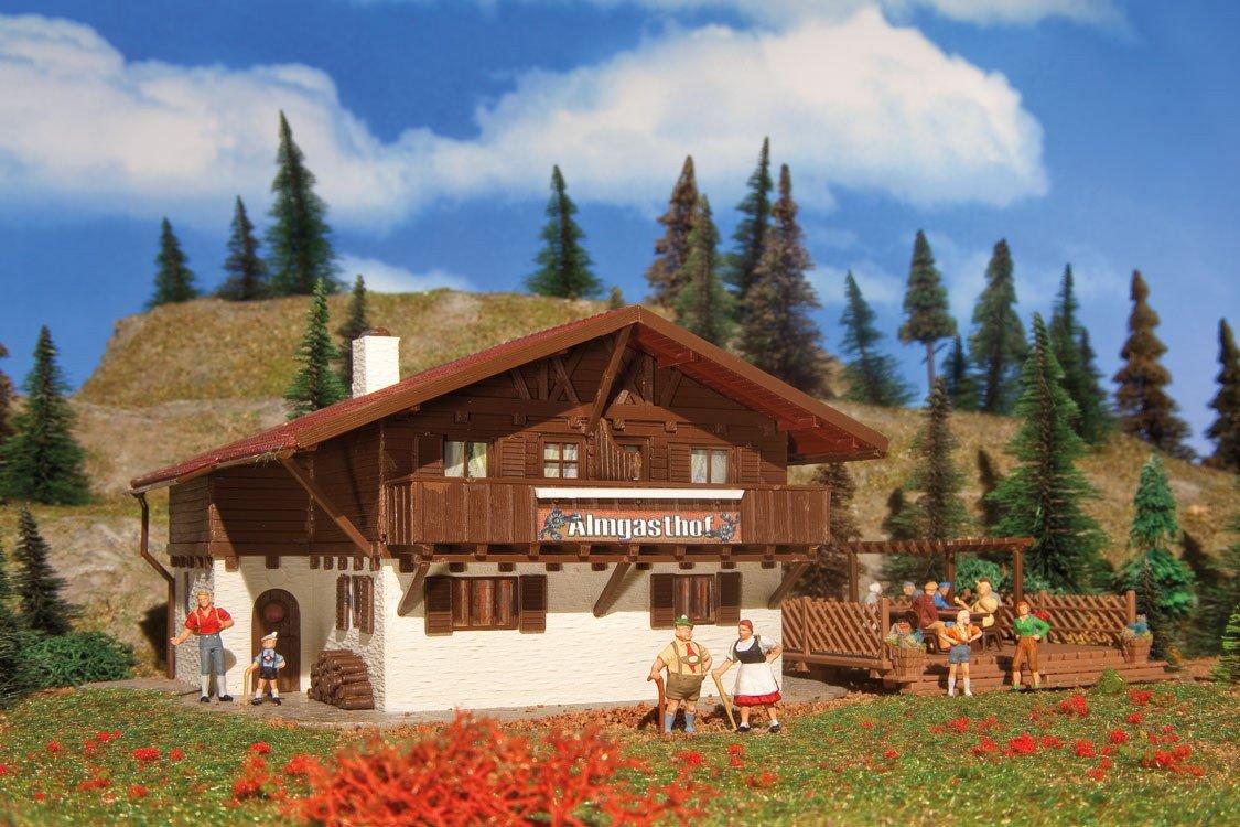 Vollmer 43960 Almgasthof mit Holzterasse